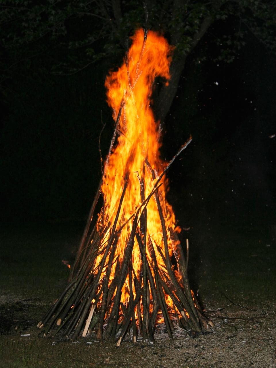 The first bonfires were lit as a celebration of the fact that the king had survived the assassination attempt
