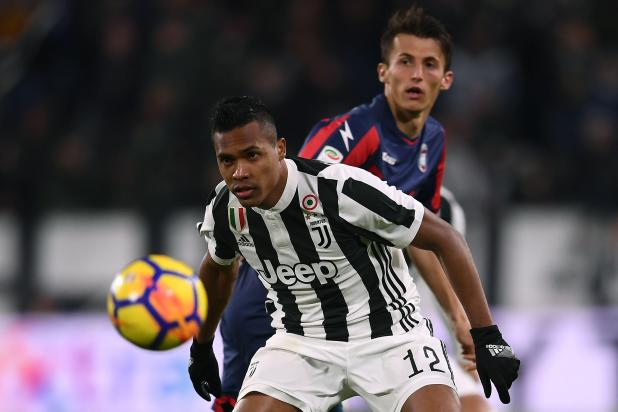 nintchdbpict0003693132264 - Alex Sandro suitors Chelsea and Manchester United can sign Juventus star in January if they make bids of £53million