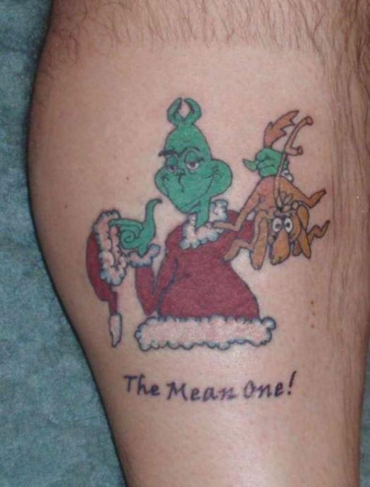 El Grinch parecía ser un emblema popular entre los amantes de las fiestas de tinta