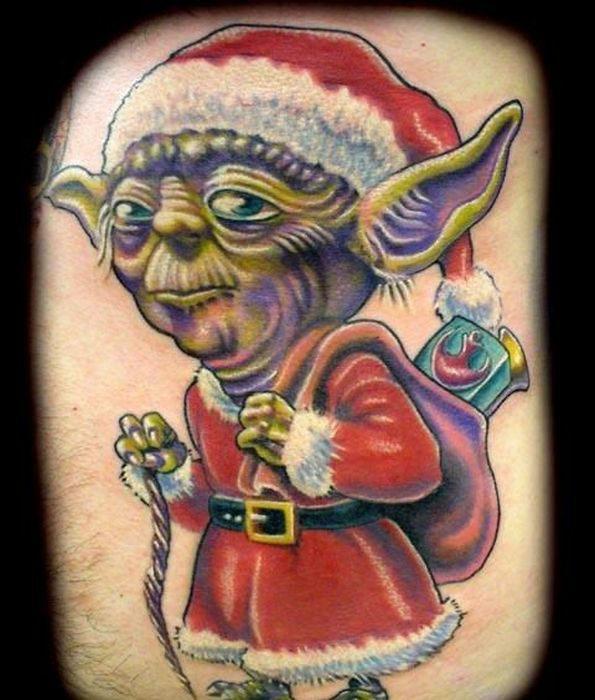Yoda consigue un cambio de imagen de yuletide completo con el famoso disfraz rojo de Santa Claus