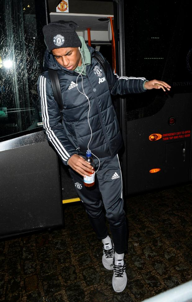 nintchdbpict000375655834 - Manchester United players arrive at Titanic hotel ahead of crucial clash against Everton