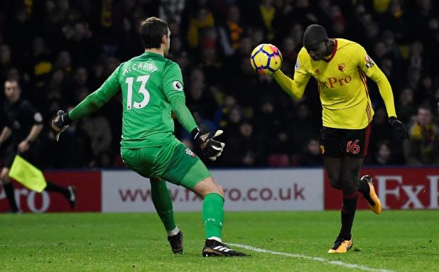 nintchdbpict000377979979 - Liverpool genuine title contenders next year but Arsenal's torrid season continues… at least they're still the only Premier League 'Invincibles' although: This weekend's top-flight round-up