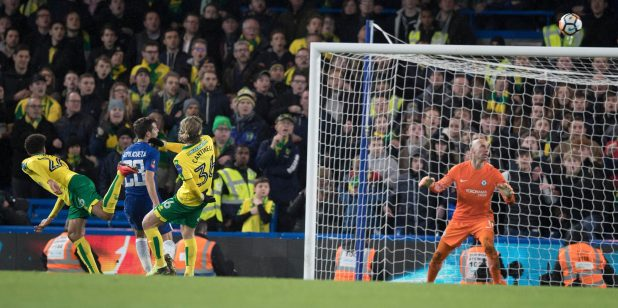 nintchdbpict000378875663 e1516227057685 - Chelsea 1 Norwich 1 (Five-Three pens) match highlights: Willy Caballero the hero as nine-man Blues survive dramatic shootout