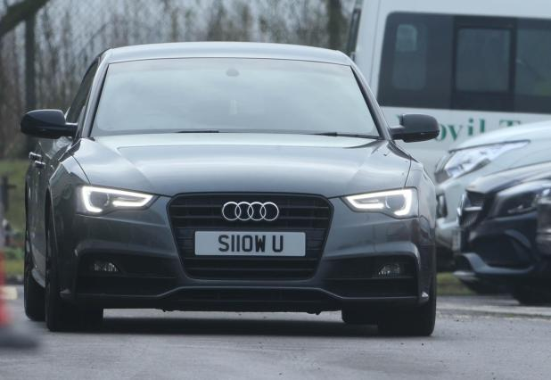 nintchdbpict000380406118 - Man United's £505,000-a-week star Alexis Sanchez drives car worth more than the motors of entire Yeovil team