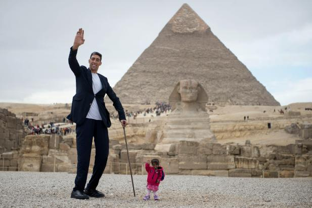 Image result for World's smallest woman meets world's tallest man