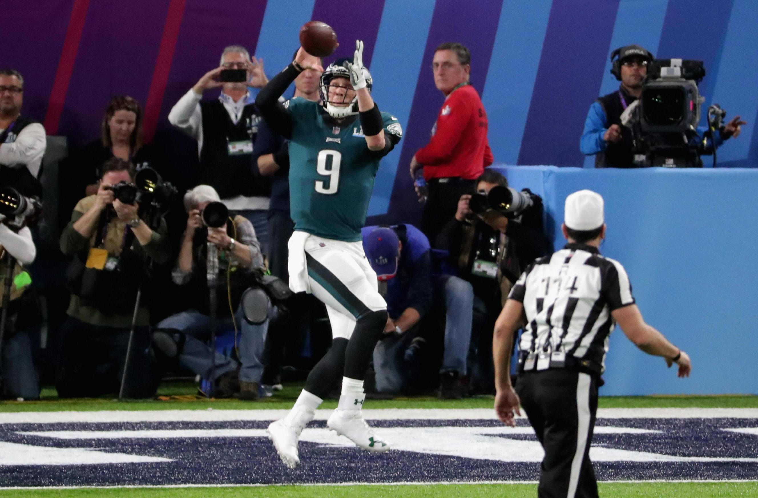 Philly quarterback Nick Foles caught a touchdown pass in the first half