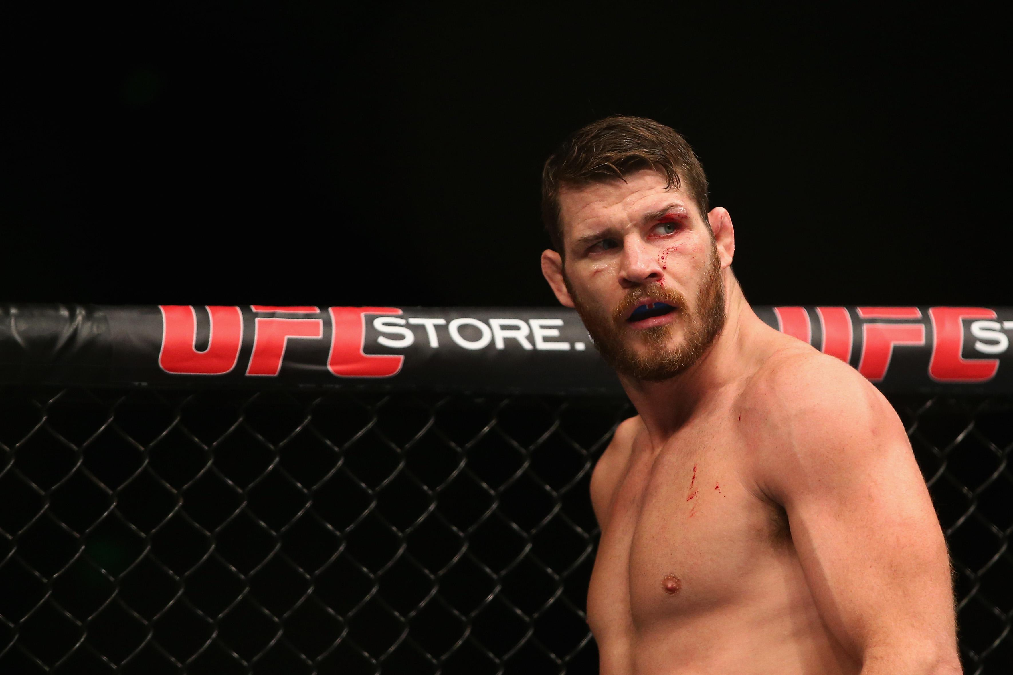 """Michael Bisping reckons Conor McGregor would """"destroy"""" Floyd Mayweather in the octagon"""