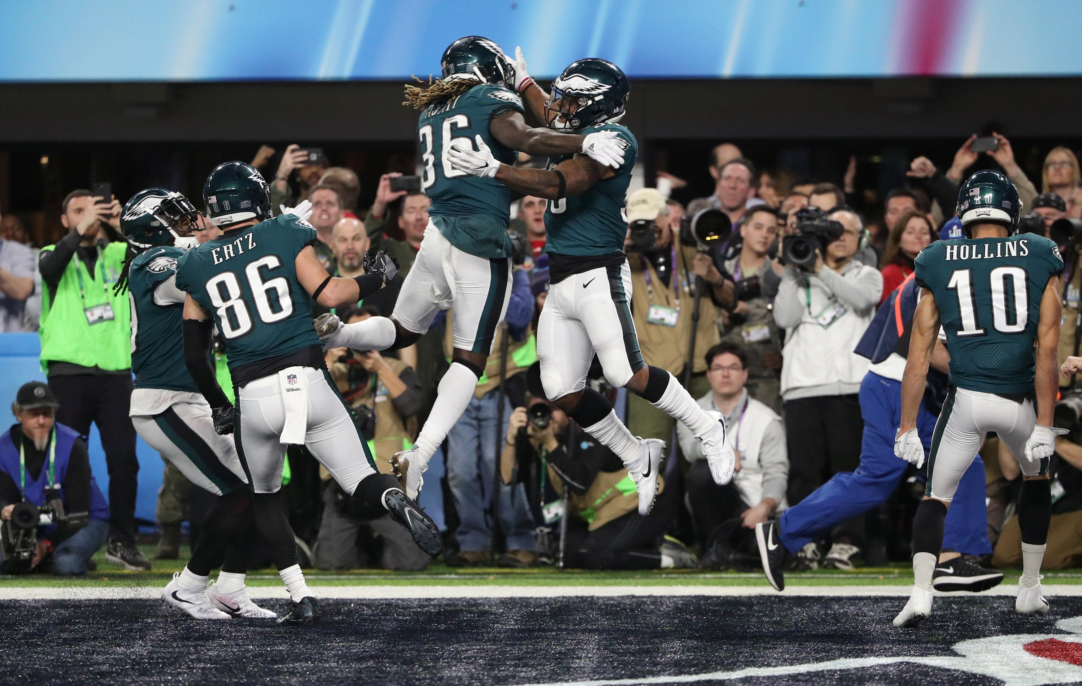 The Eagles players go mad after realising they've won the Super Bowl