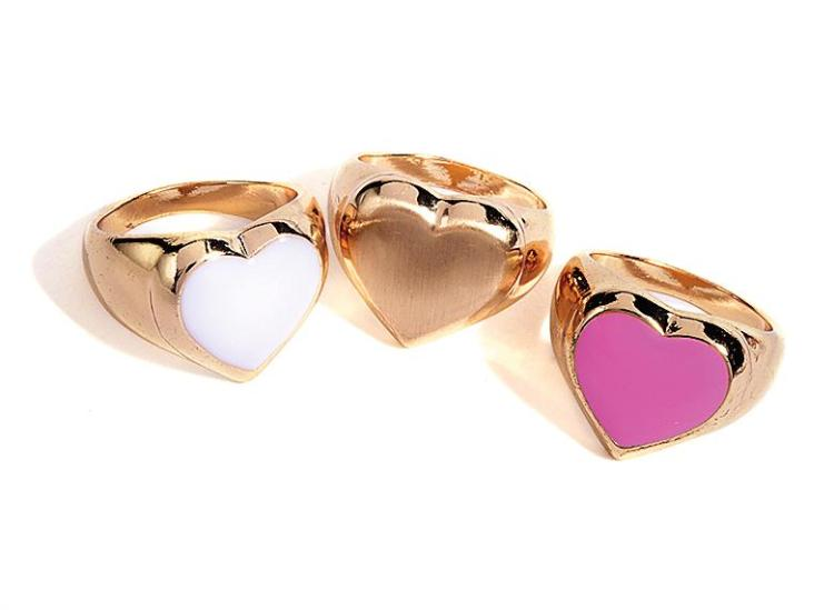 Three hearts believing in just one mind... give Phil Collins singalongs a glam update with this trio of finger candy