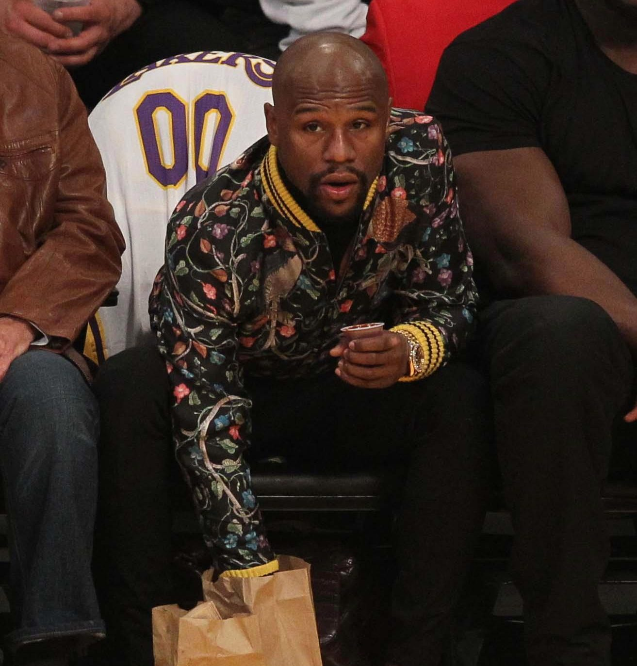 Floyd Mayweather could make his UFC debut very soon
