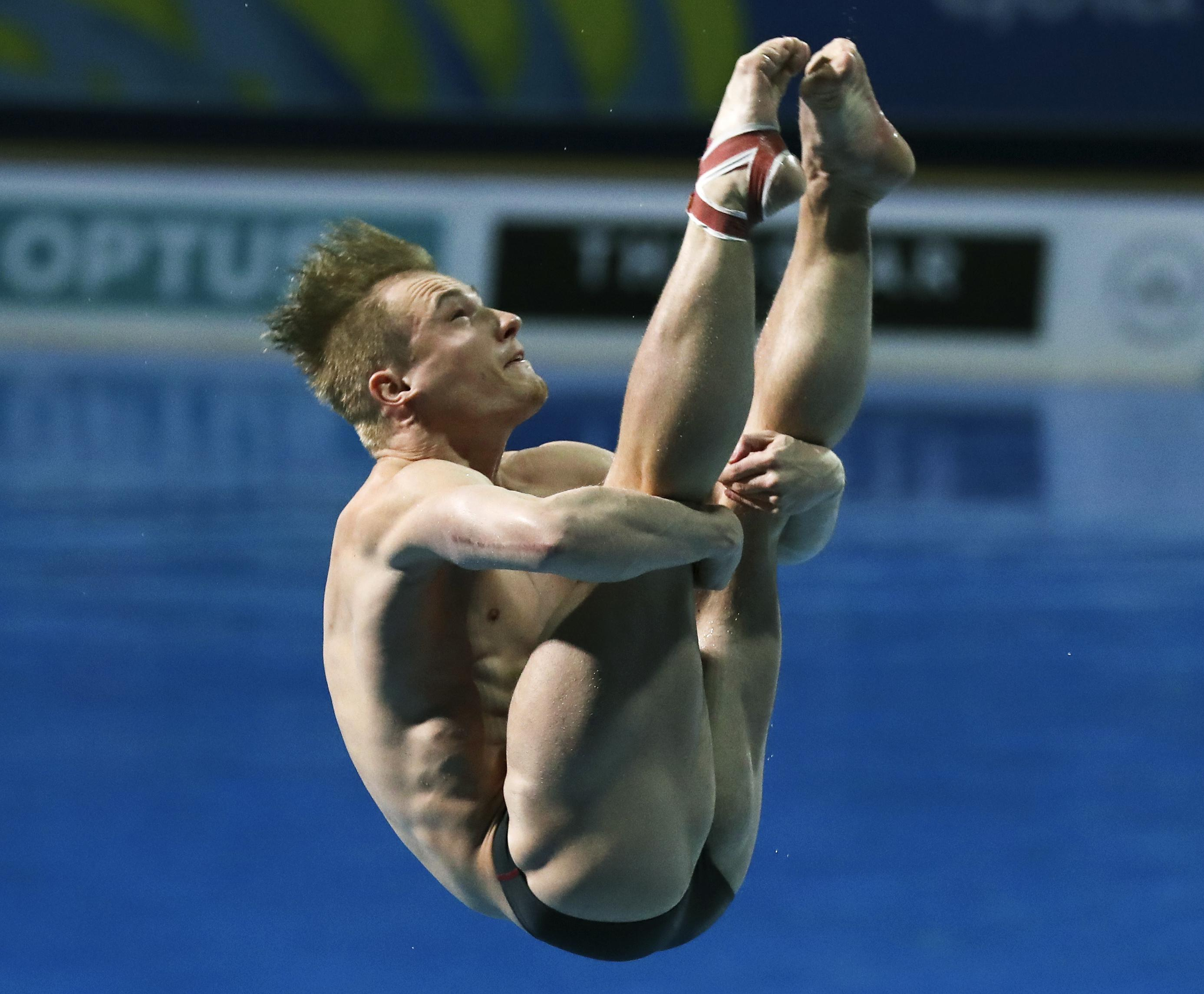 Laugher on his way to victory in the 1mspringboard final
