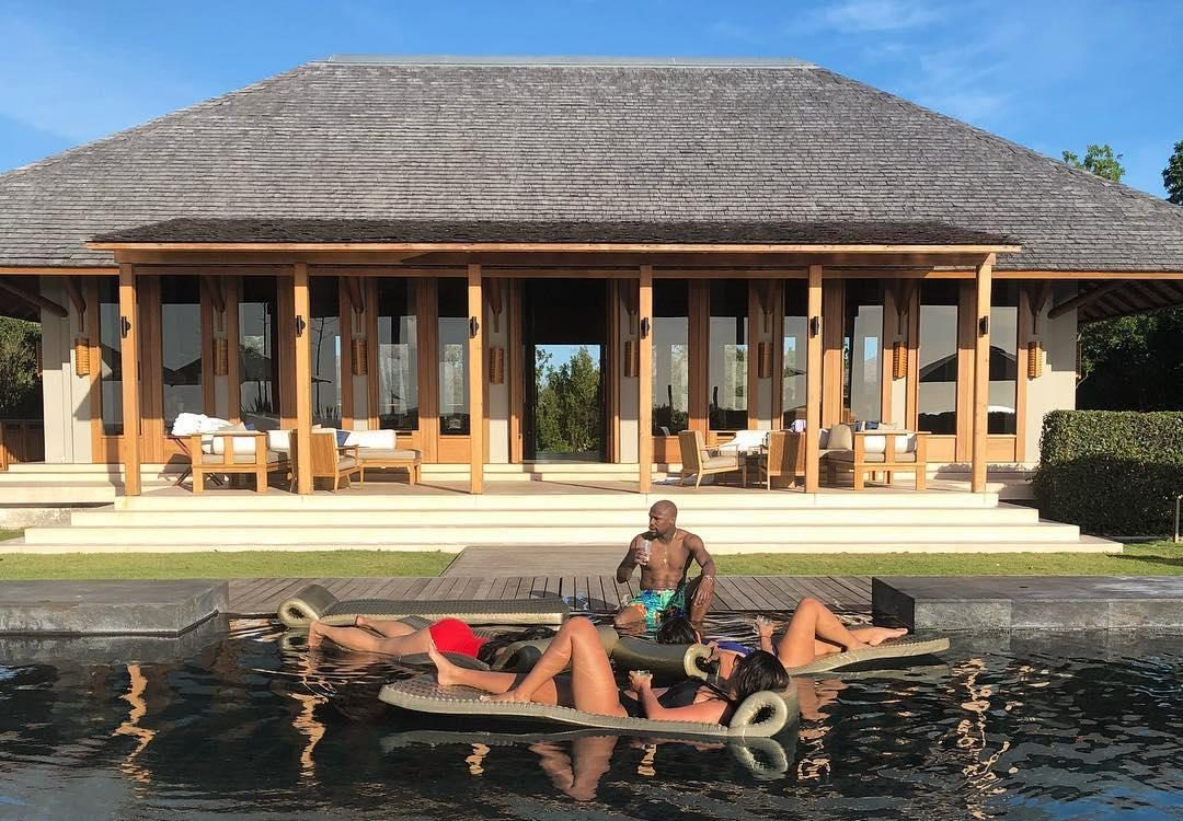 Floyd Mayweather appears to be enjoying his latest retirement
