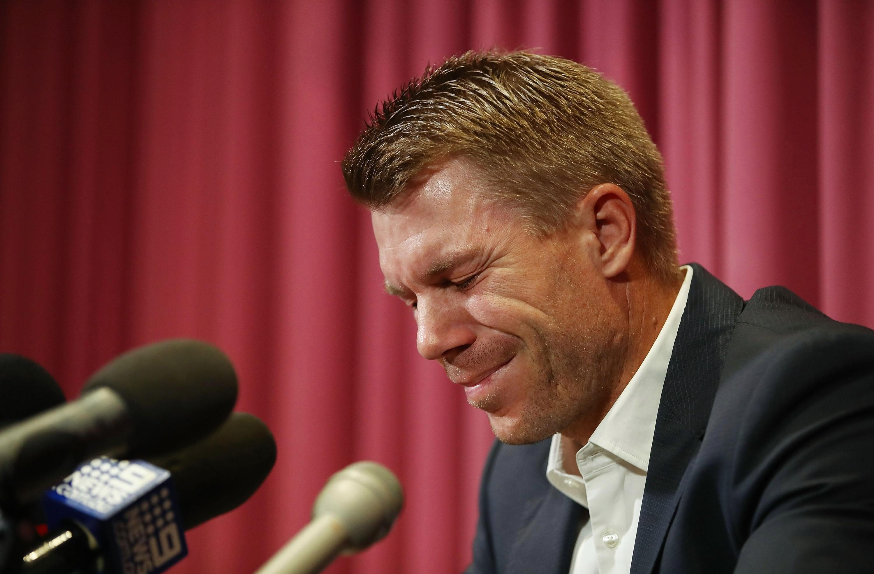David Warner breaks down in tears during his apology press conference
