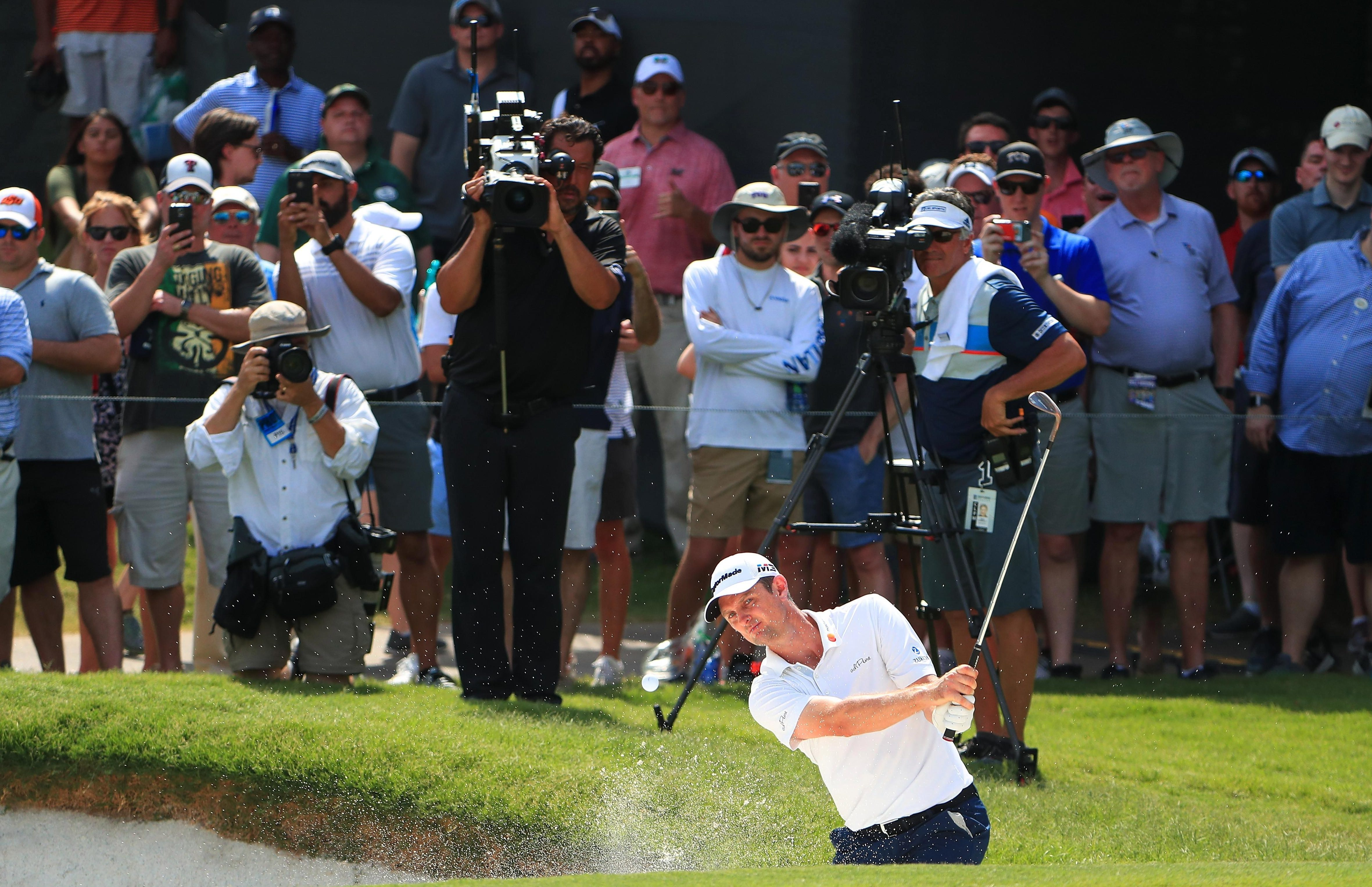 South African-born Justin Rose has risen to third in the world rankings