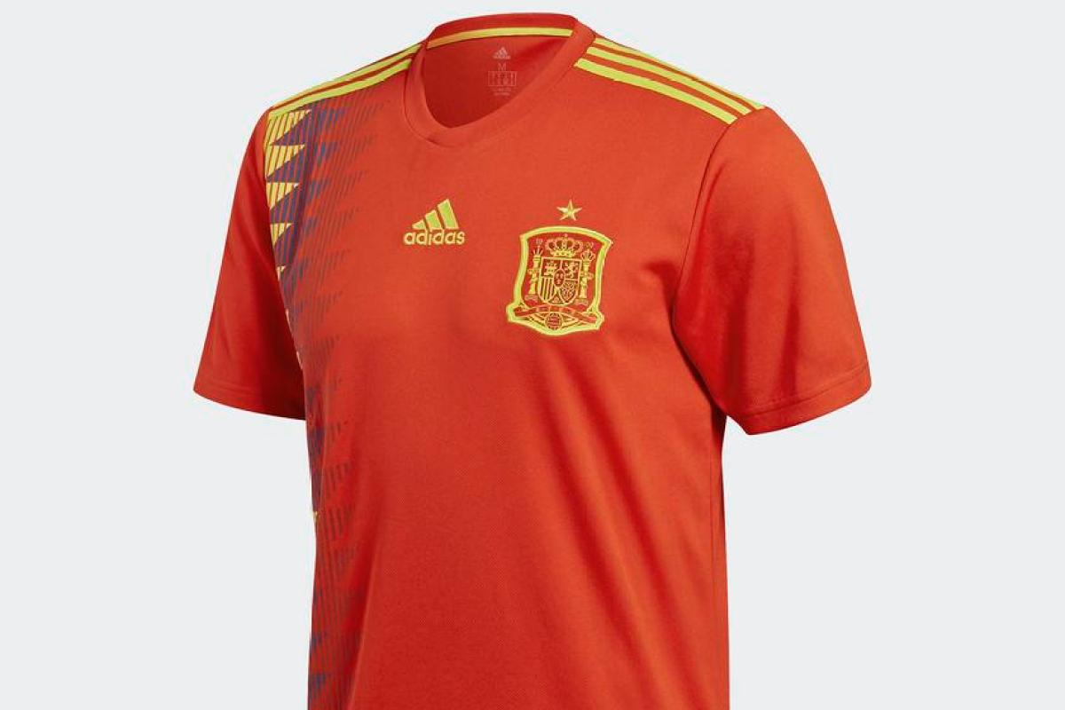 official photos fe067 df945 The cheapest place to find Spain's World Cup 2018 kit