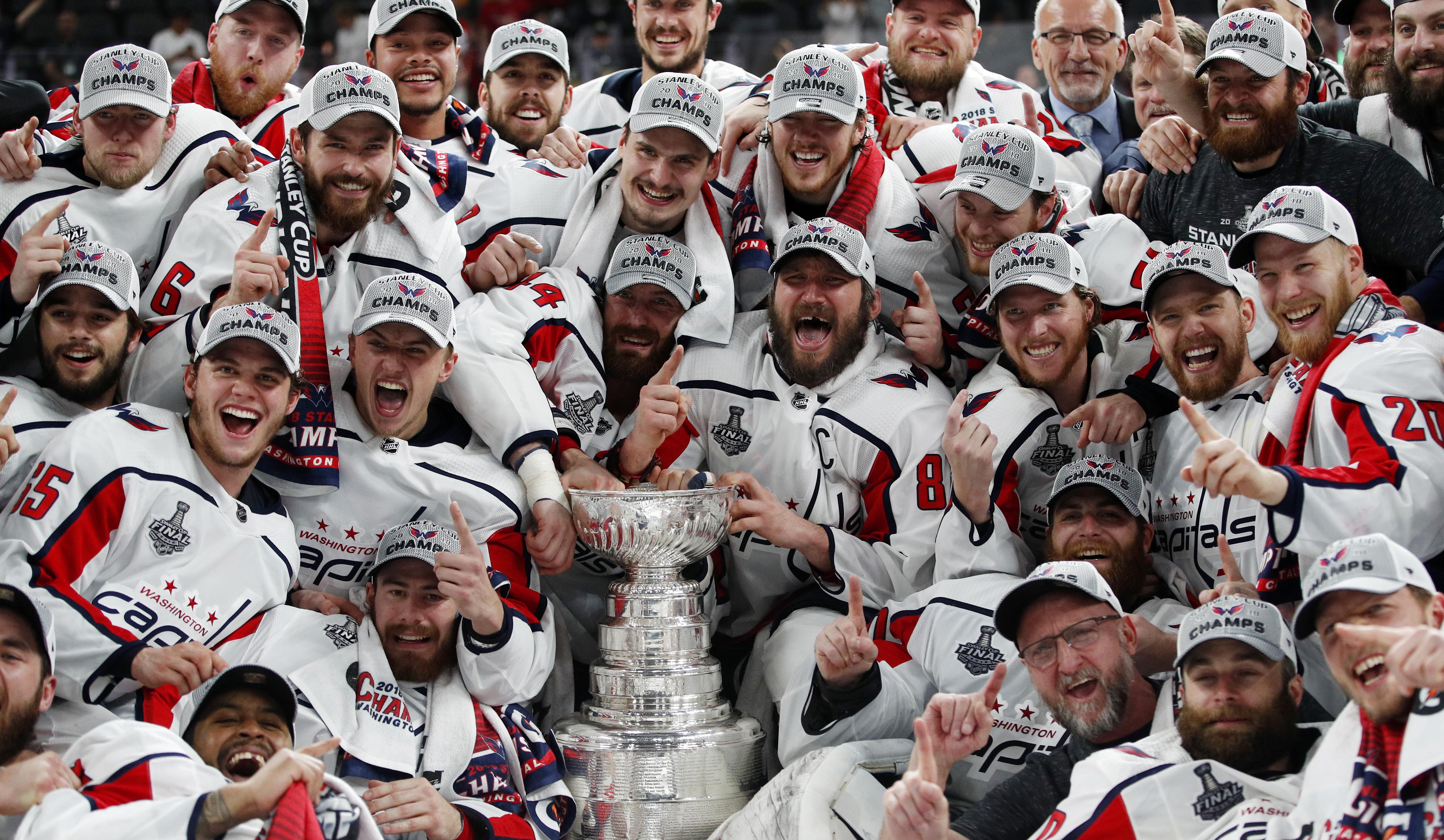 Washington Capitals celebrate after beating the Las Vegas Golden Knights 4-3 to win 4-1 in the best-of-seven finals