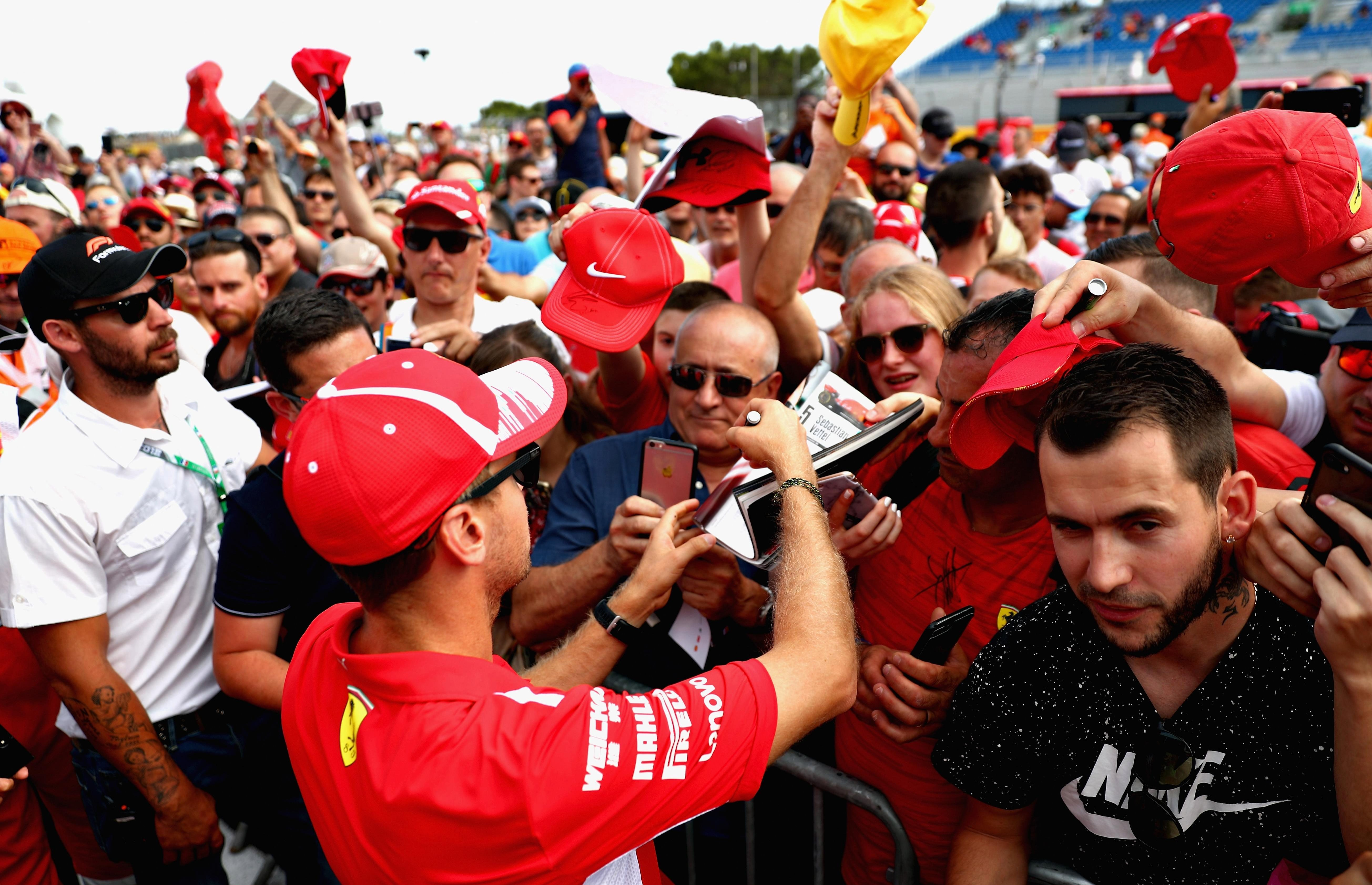Formula One fans have blasted the French GP after huge tailbacks on way to course