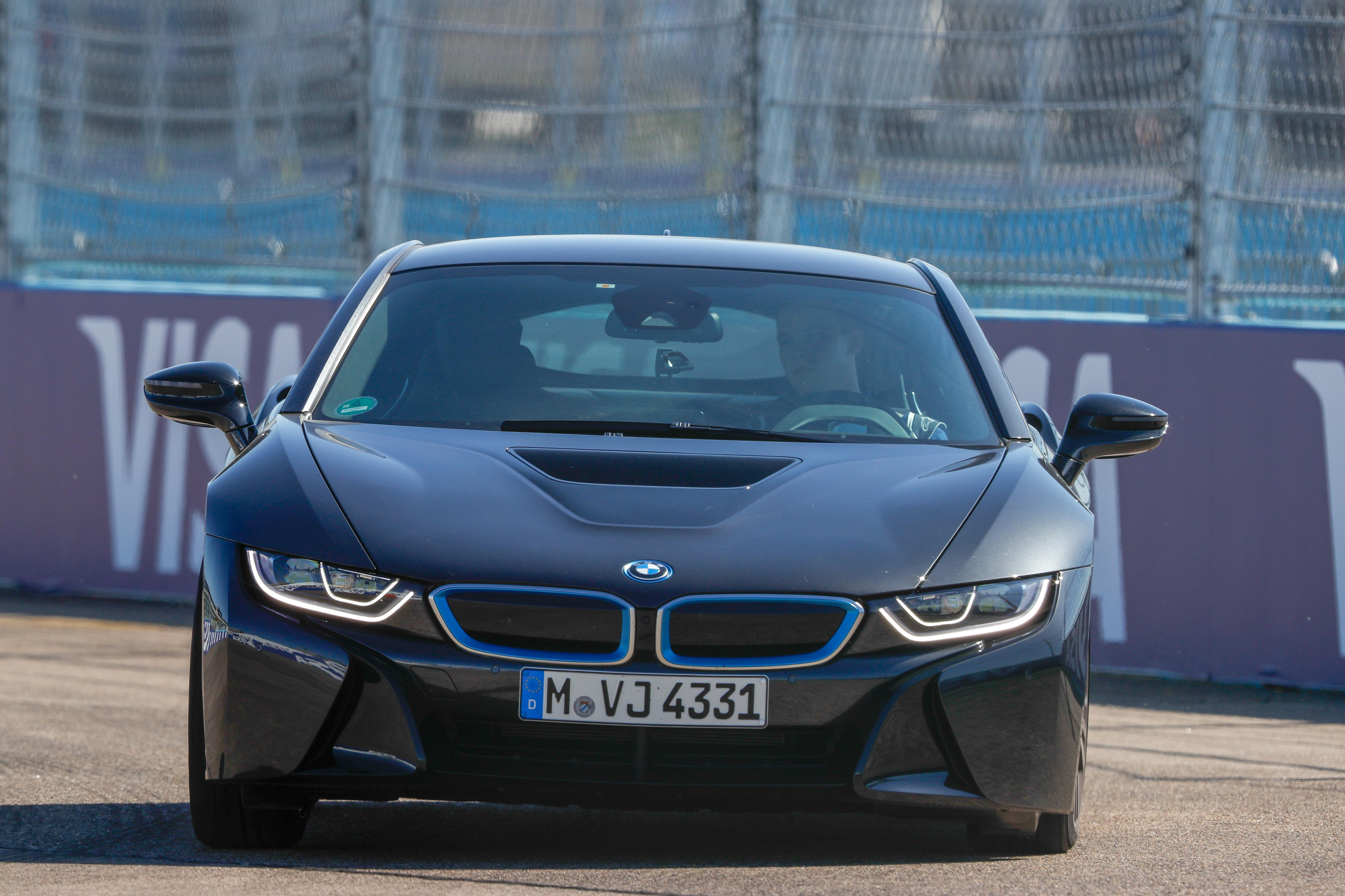 I began my first few laps in the BMW i8 slowly before gradually improving my pace