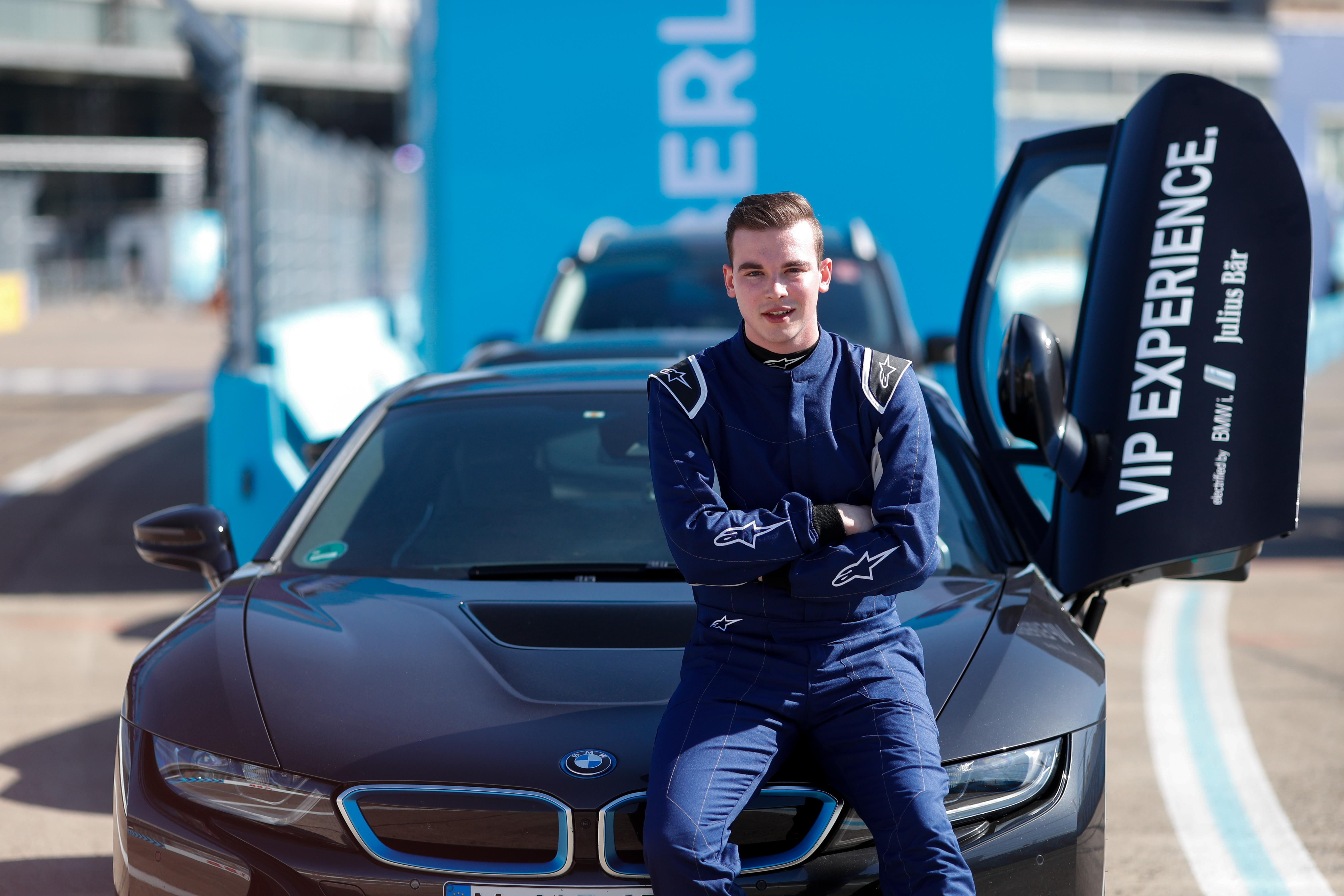 I began my experience in a BMW i8