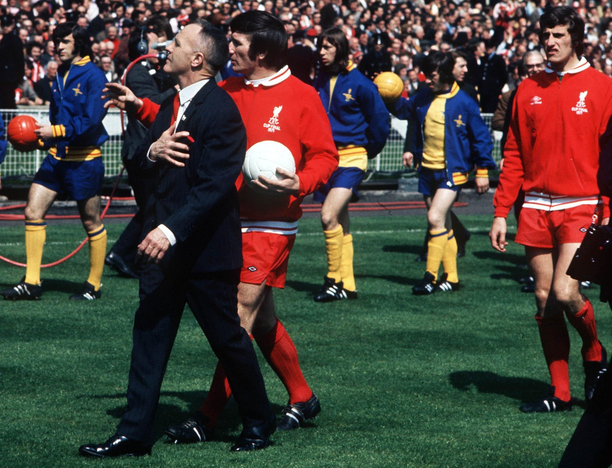 Shankly leads Liverpool out for their 1971 FA Cup final loss to Arsenal