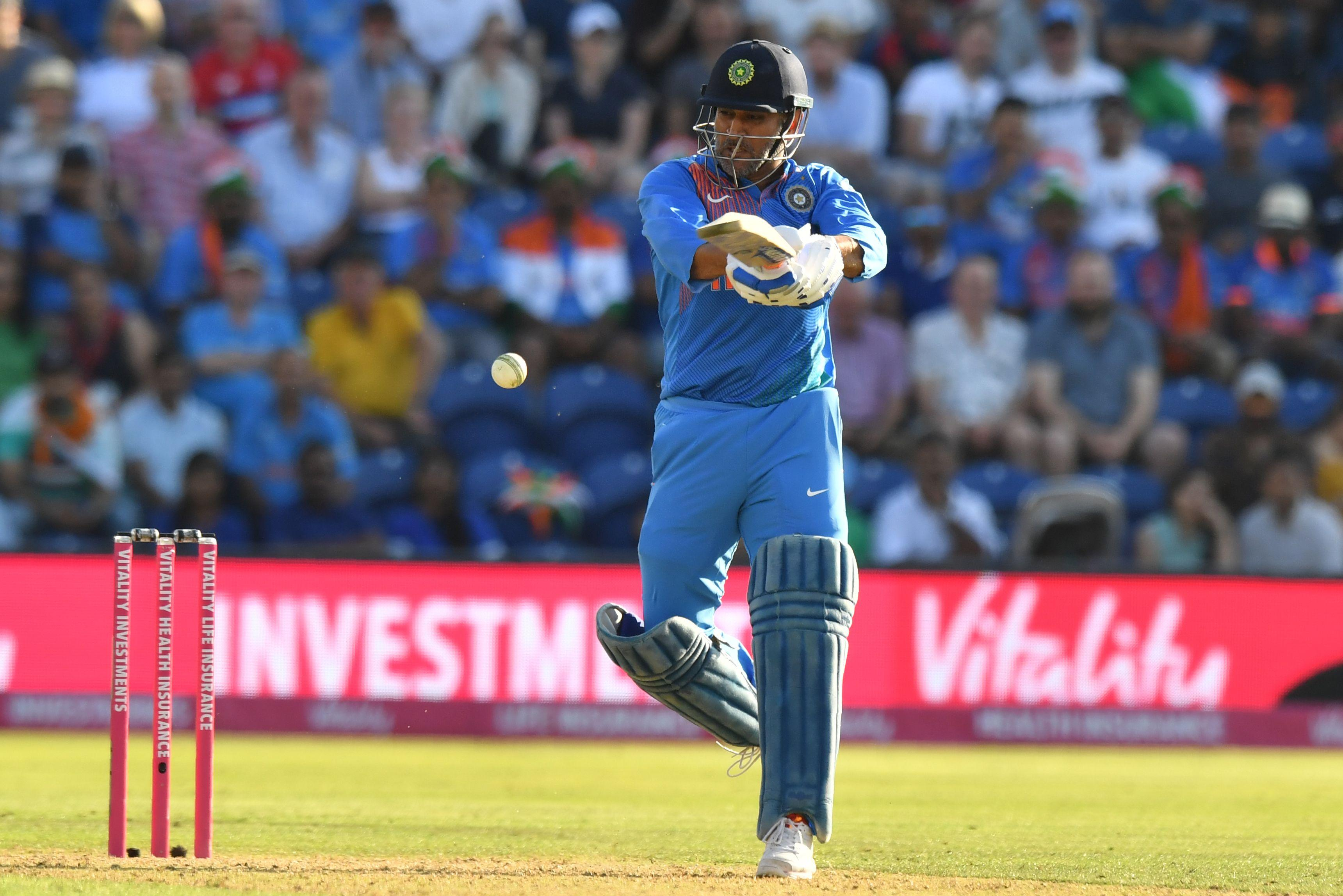 MS Dhoni powered India up to 148 with his late cameo