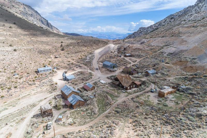 This ghost town 200 miles north of Los Angeles has been sold for around £1.1million