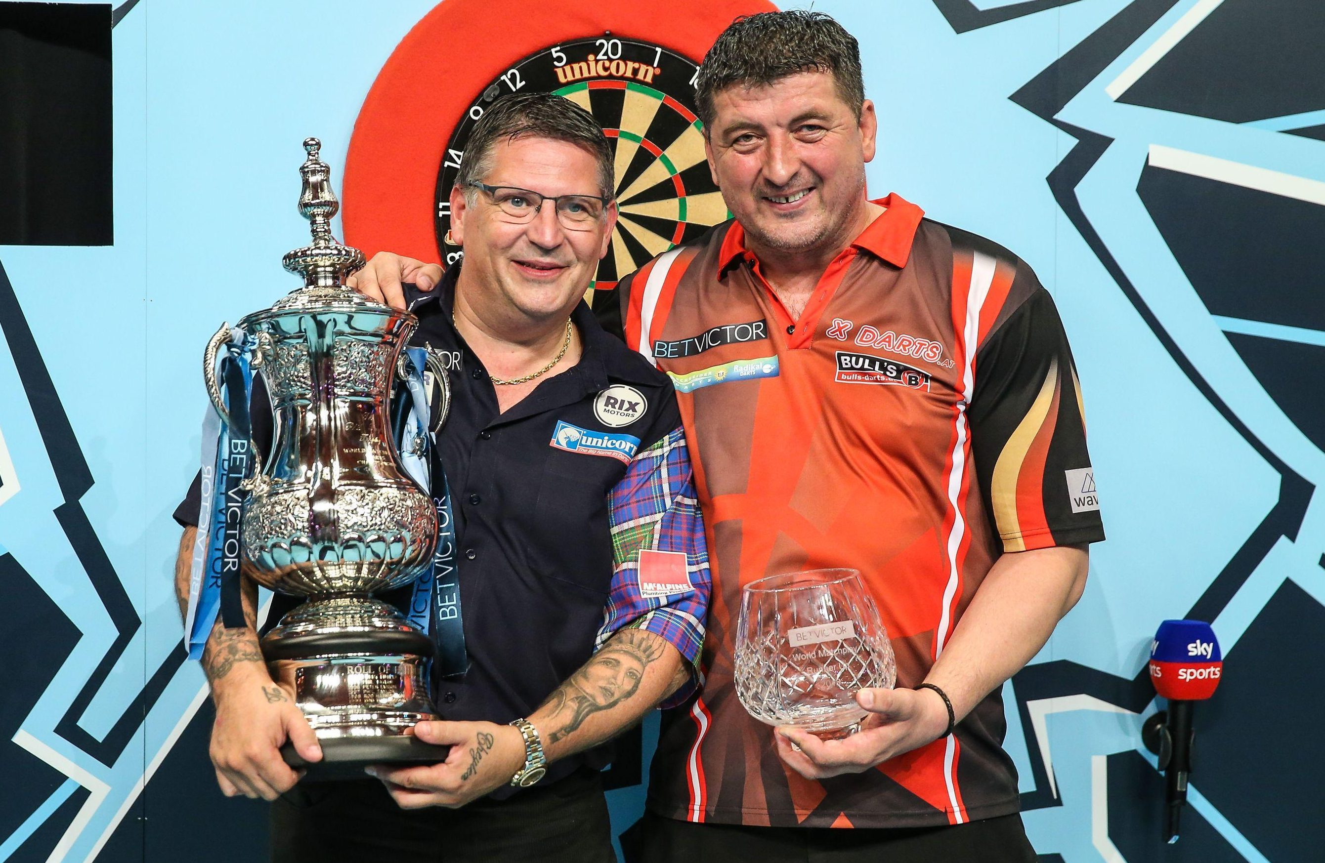 Anderson beat Mensur Suljovic 21-19 in a tense final in Blackpool