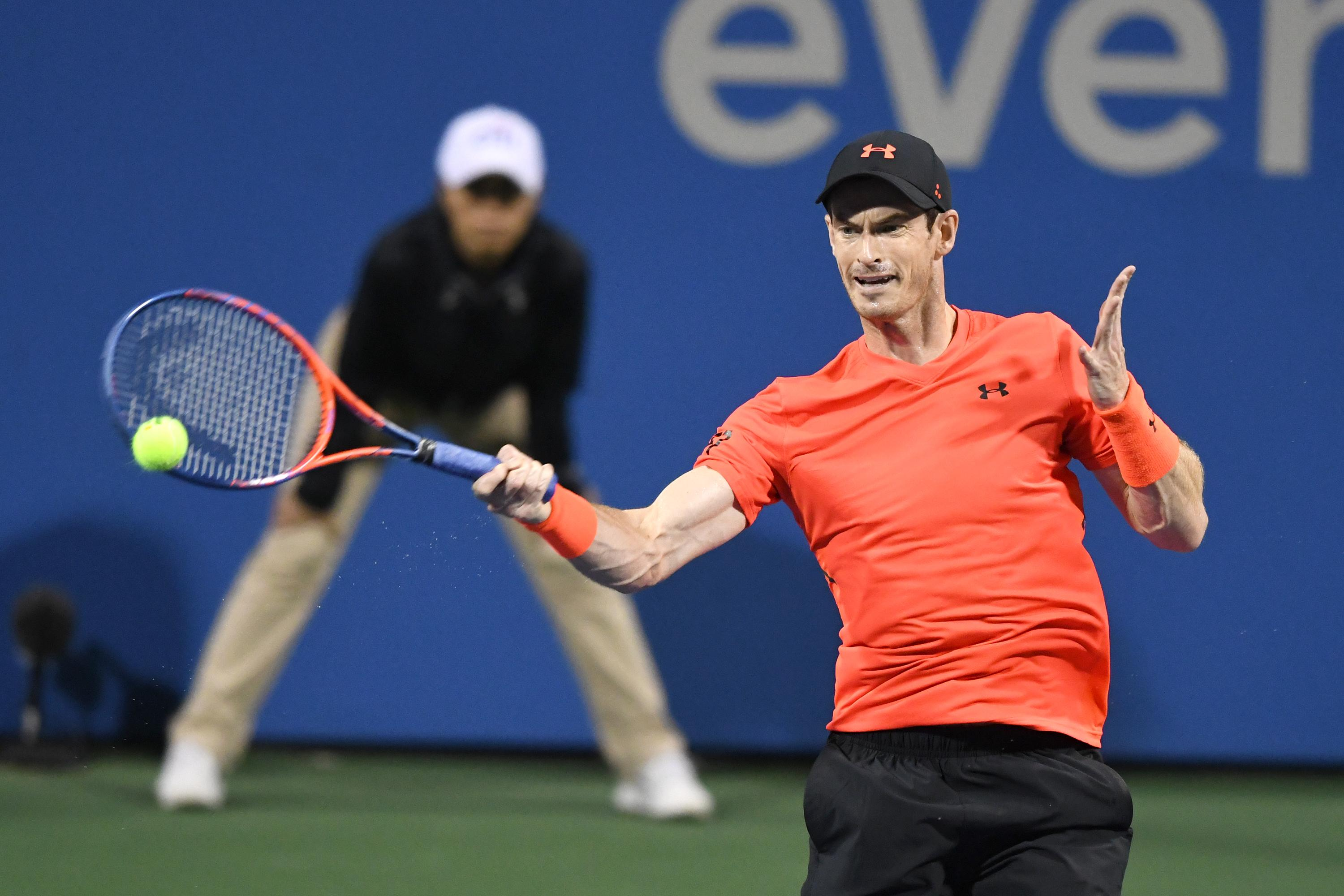 Murray battled back after losing the first set in Washington