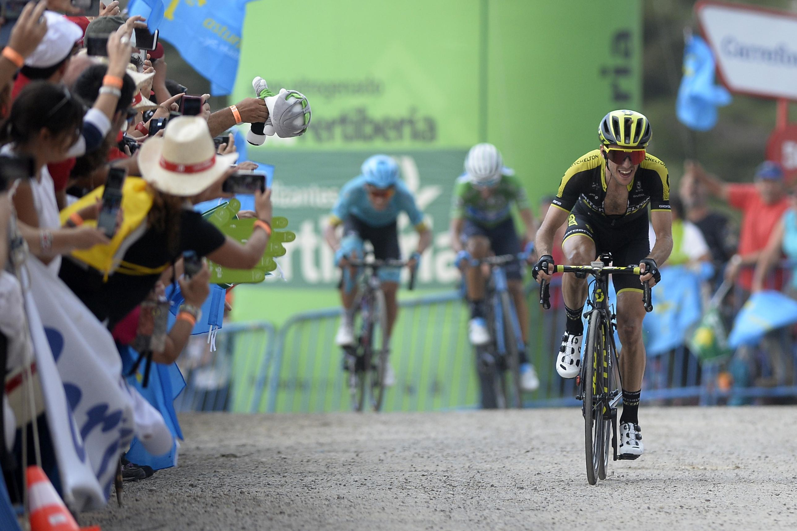 Yates beat his rivals by 2sec on the second of three big mountain stages in a row