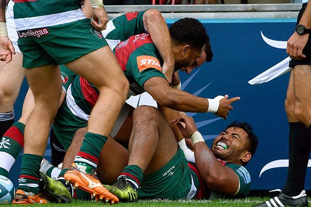 Leciester Tigers teammates maul Tuilagi after his stunning score