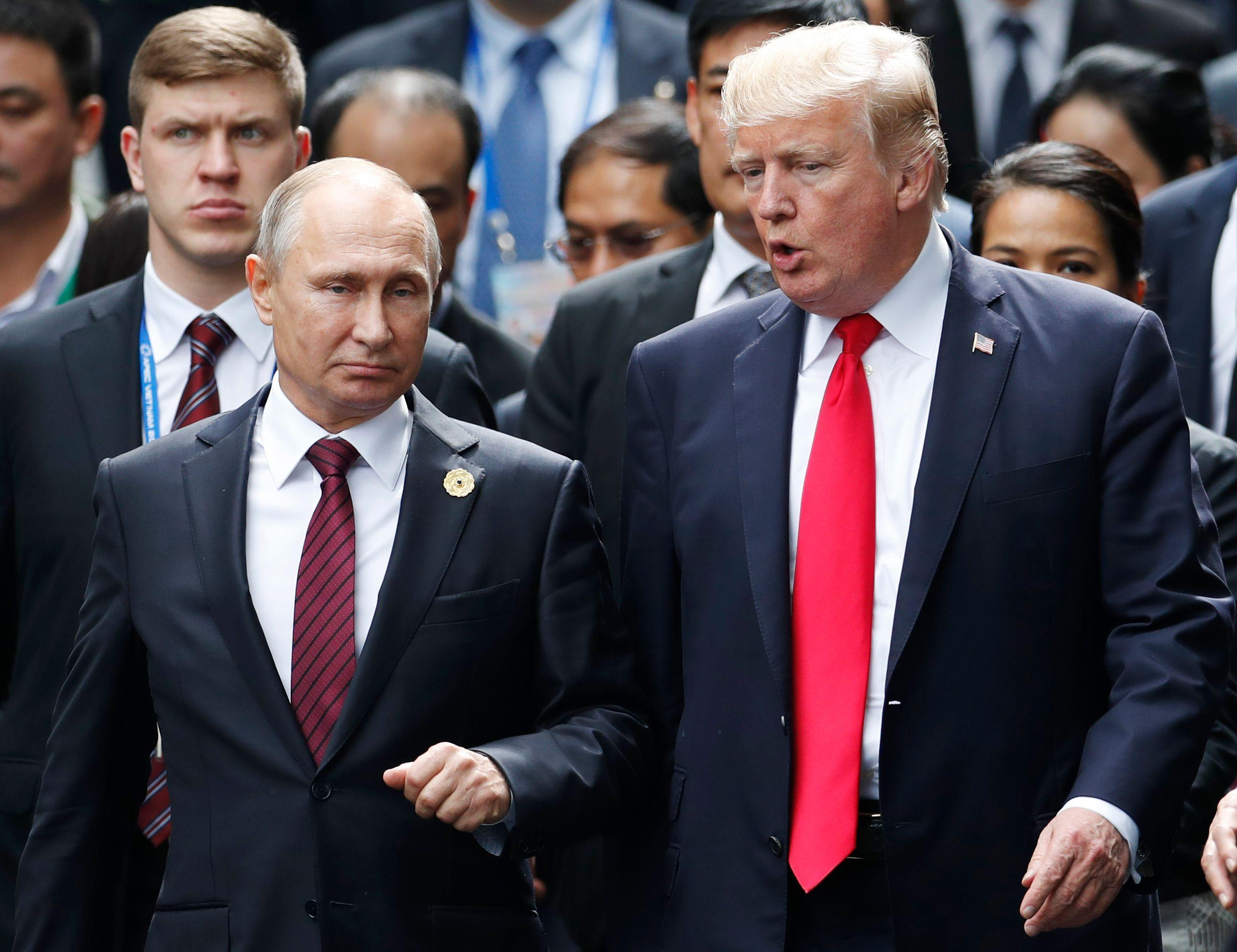 Putin and Trump have been told by the UFC president they can be his VIP ringside guests