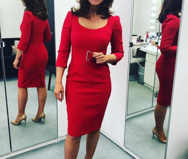 Susanna Reid Sent Fans Wild With Her Peachy Bum This Morning As She Posed In