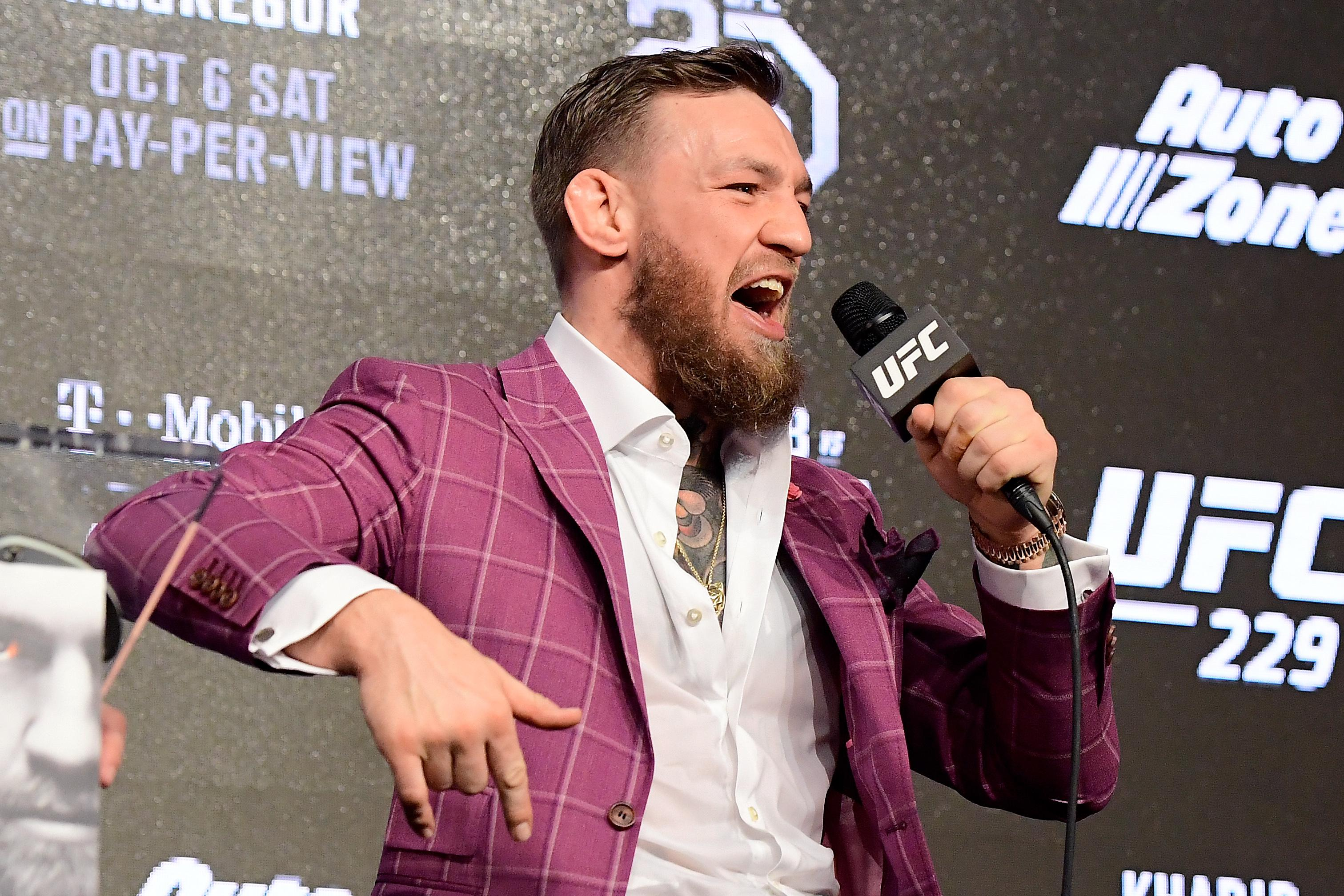 Conor McGregor has signed a new six-fight deal with UFC