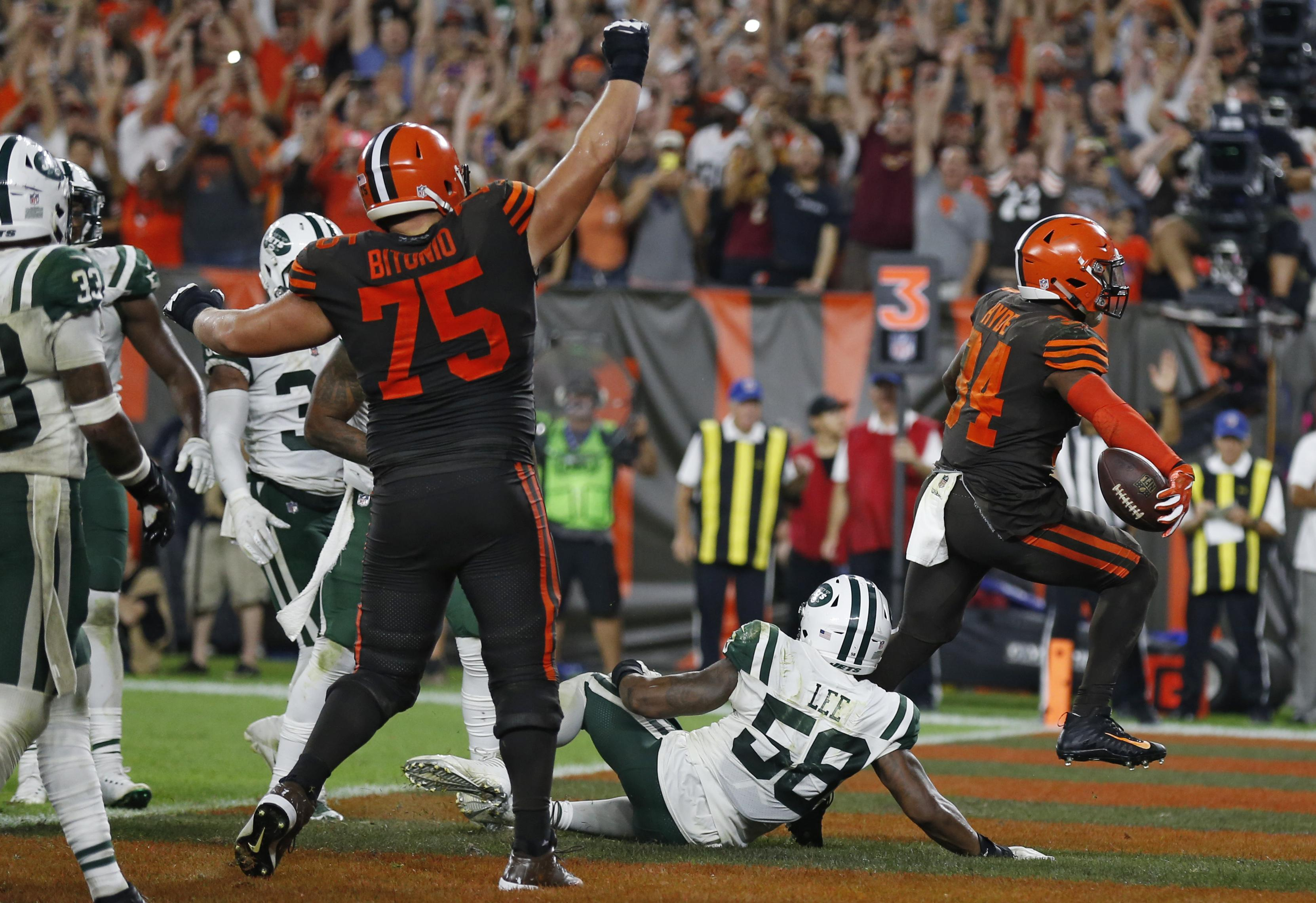 The Browns celebrate as Carlos Hyde goes over for their only touchdown