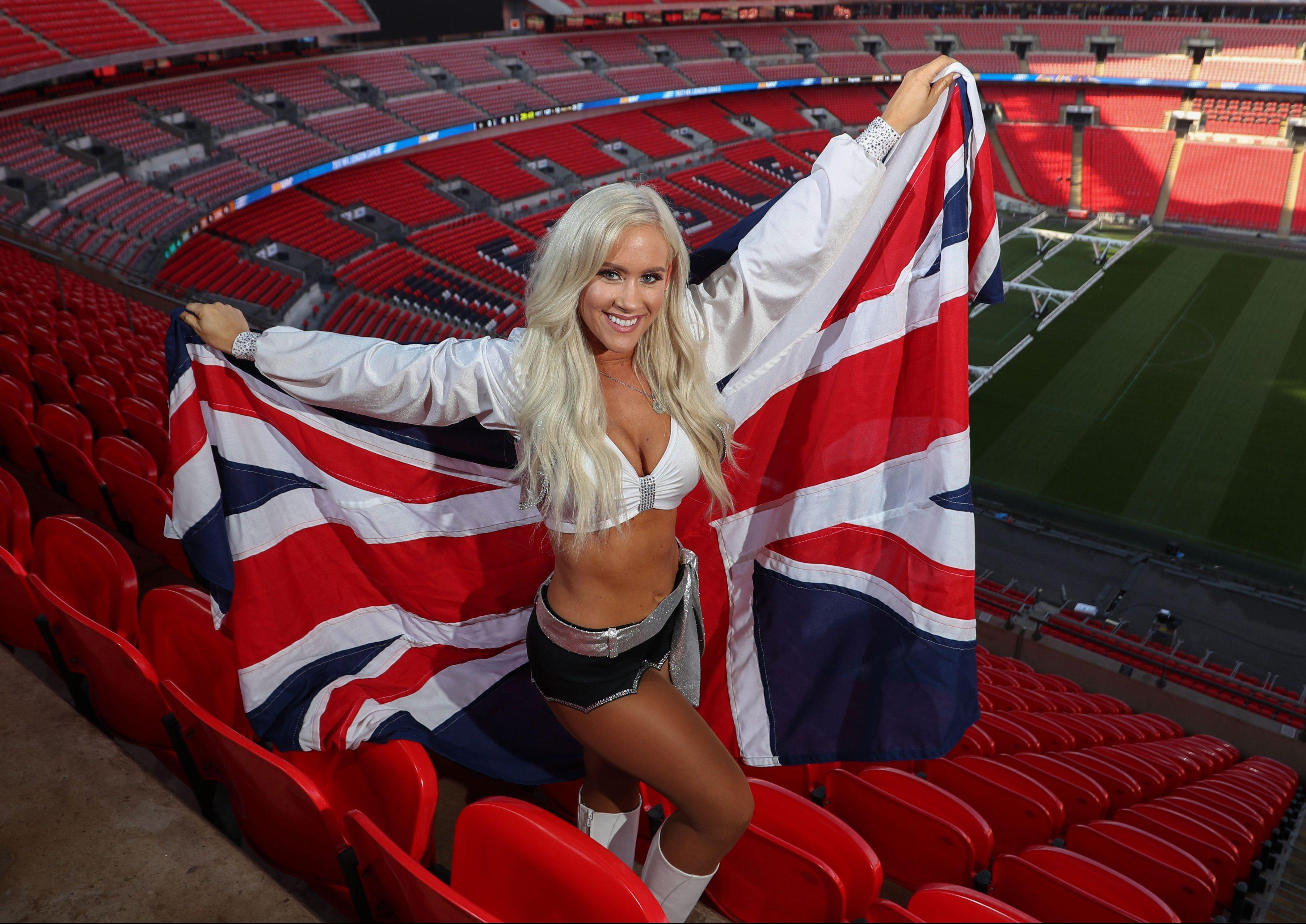 Oakland Raiders cheerleaders light up Wembley