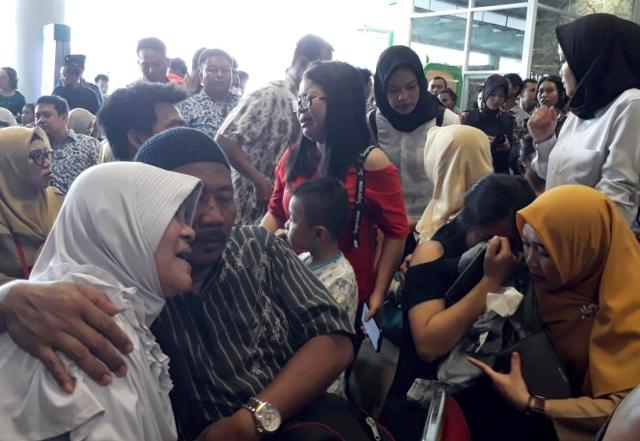 Indonesia disaster agency said the Lion Air Boeing 737-800 plane crashed into sea shortly after it left Indonesia's capital