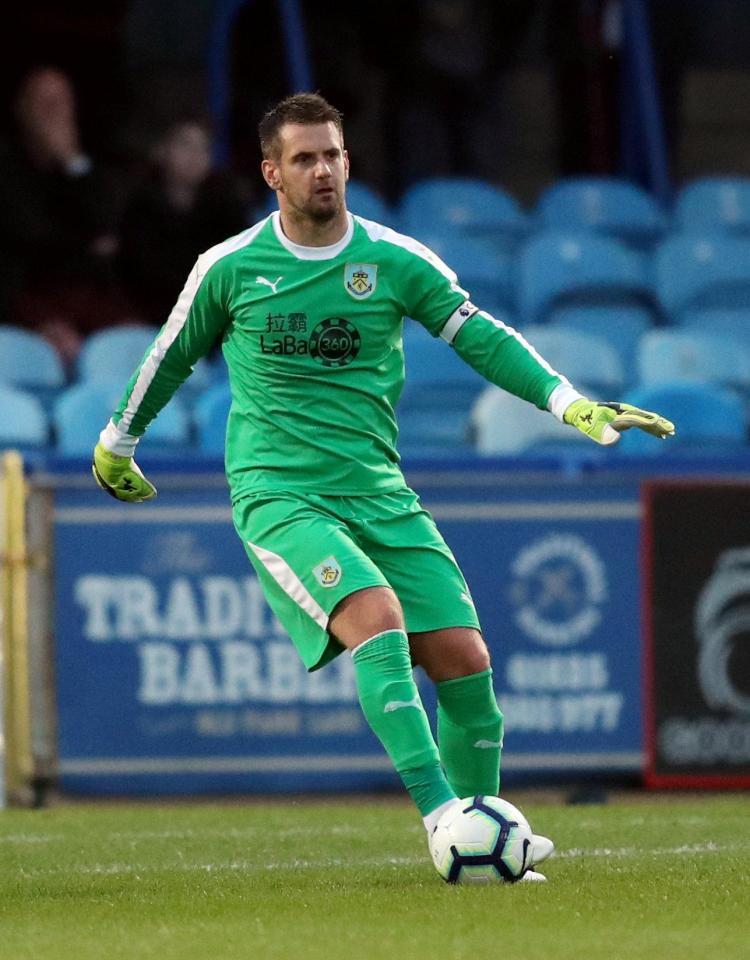 Huddersfield want Burnley keeper Tom Heaton in January