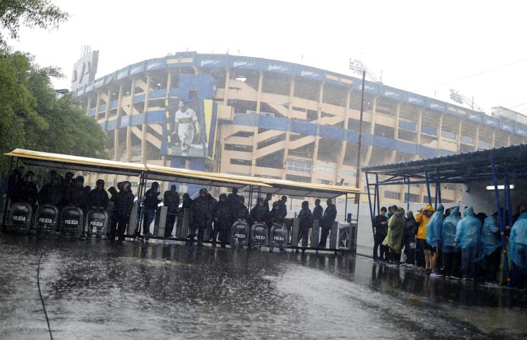 Fans will now have to queue up tomorrow, probably again in the rain, to see their heroes play