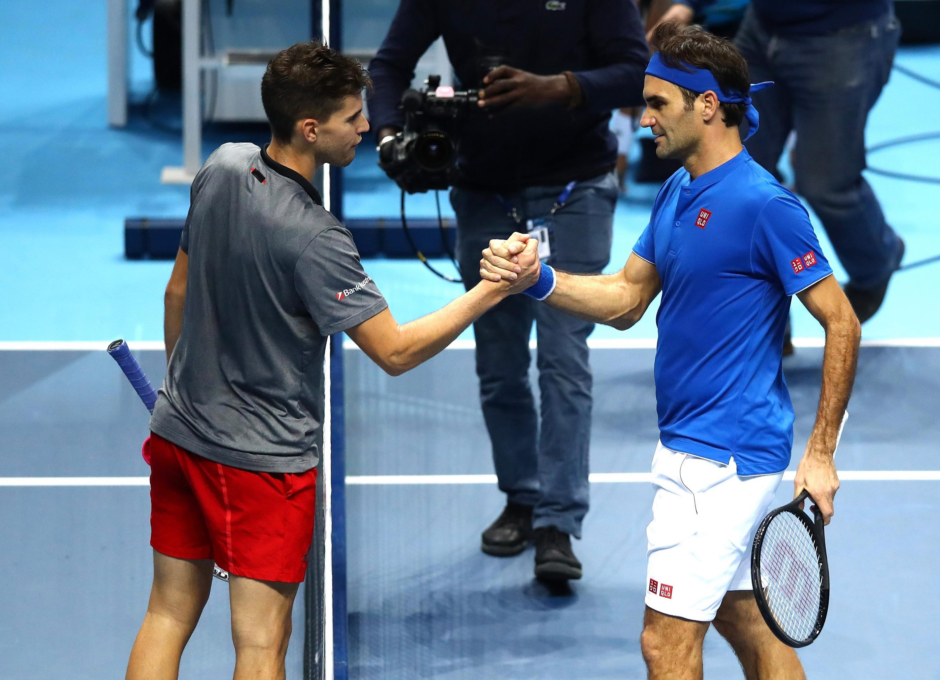 Roger Federer beat Dominic Thiem 6-2 6-3 at the O2 Arena