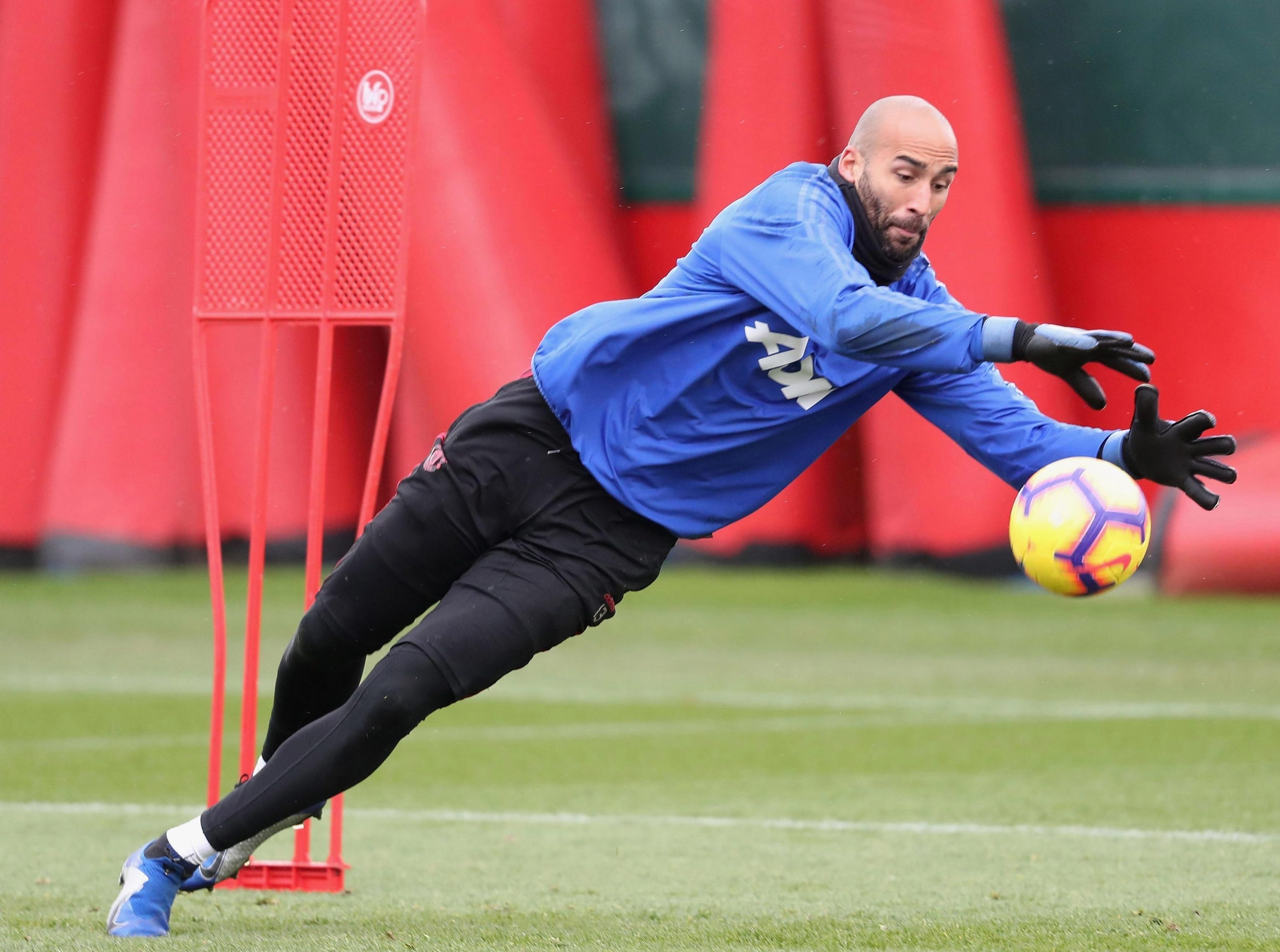 Veteran Lee Grant, 35, who joined United in the summer from relegated Stoke, is one of the keepers Paul Woolston will hope to overhaul in the pecking order if his signing is confirmed