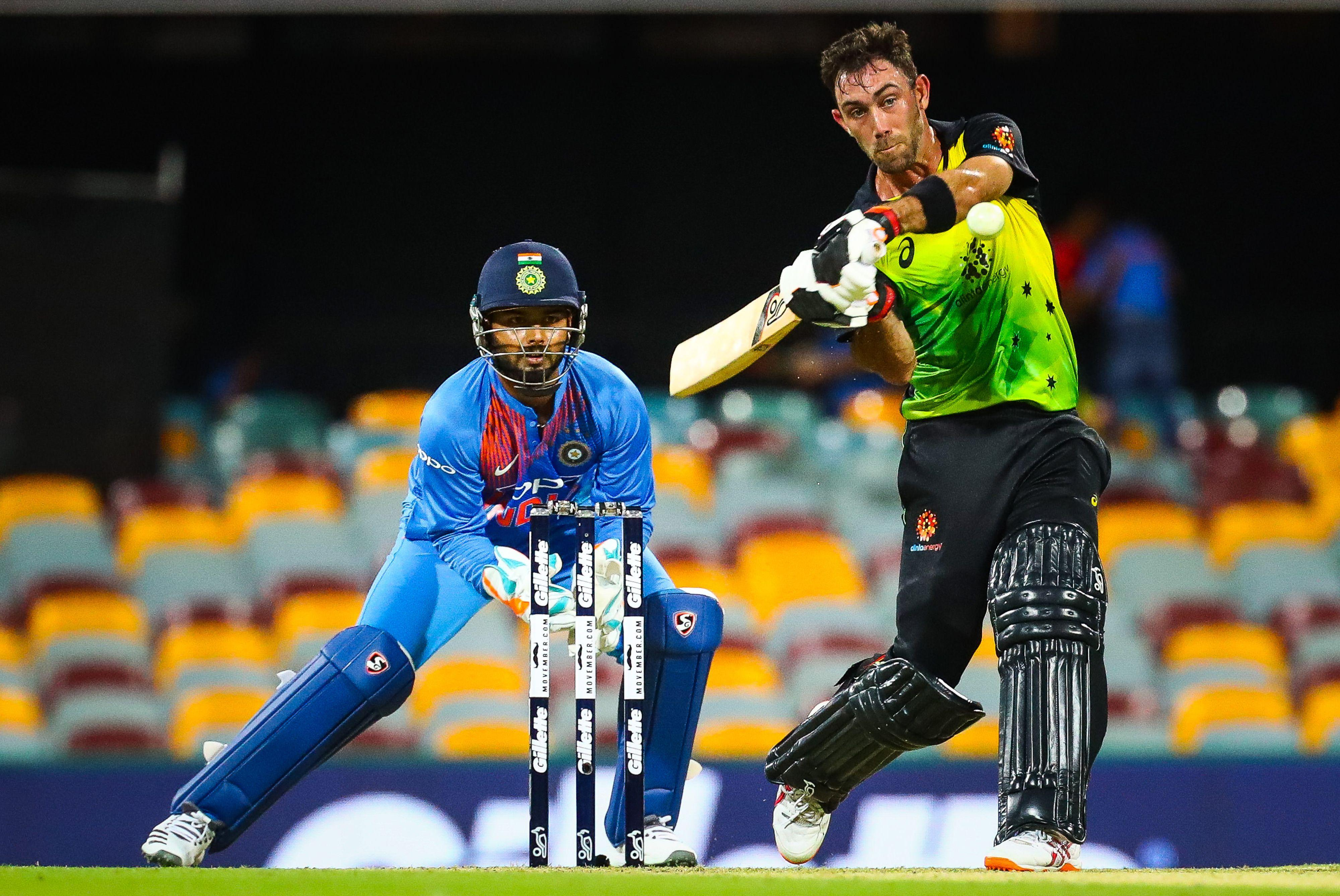 Maxwell decided to ditch his helmet for the innings as Australia were first in to bat against India