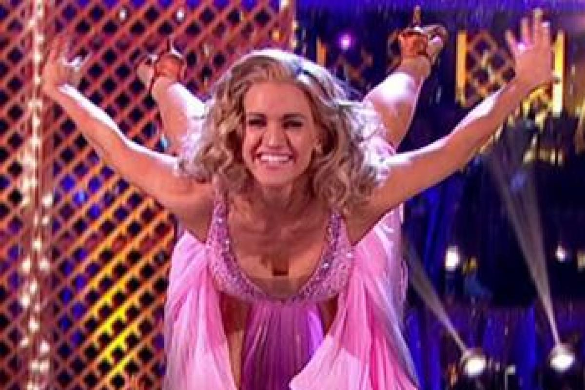 ashley roberts joining strictly - 695×560