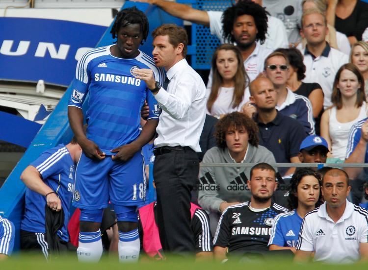 Andre Villas-Boas has a chat to Romelu Lukaku during the striker's days at Stamford Bridge
