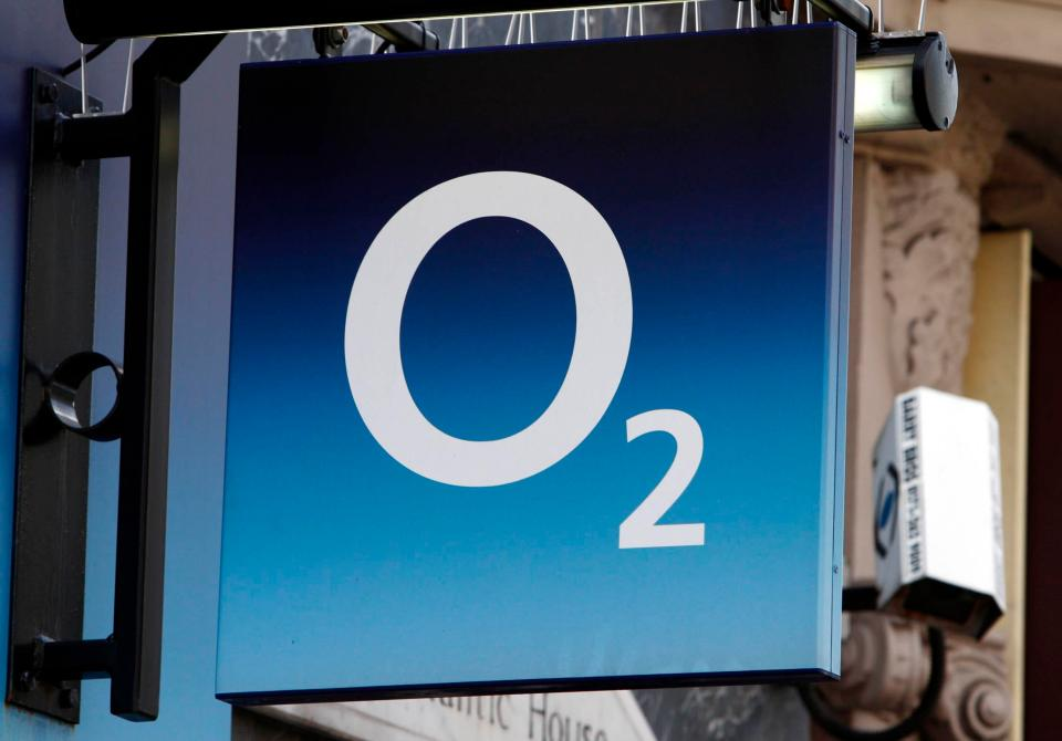 O2 have apologised to customers and offered them compensation after this week's 4G network meltdown