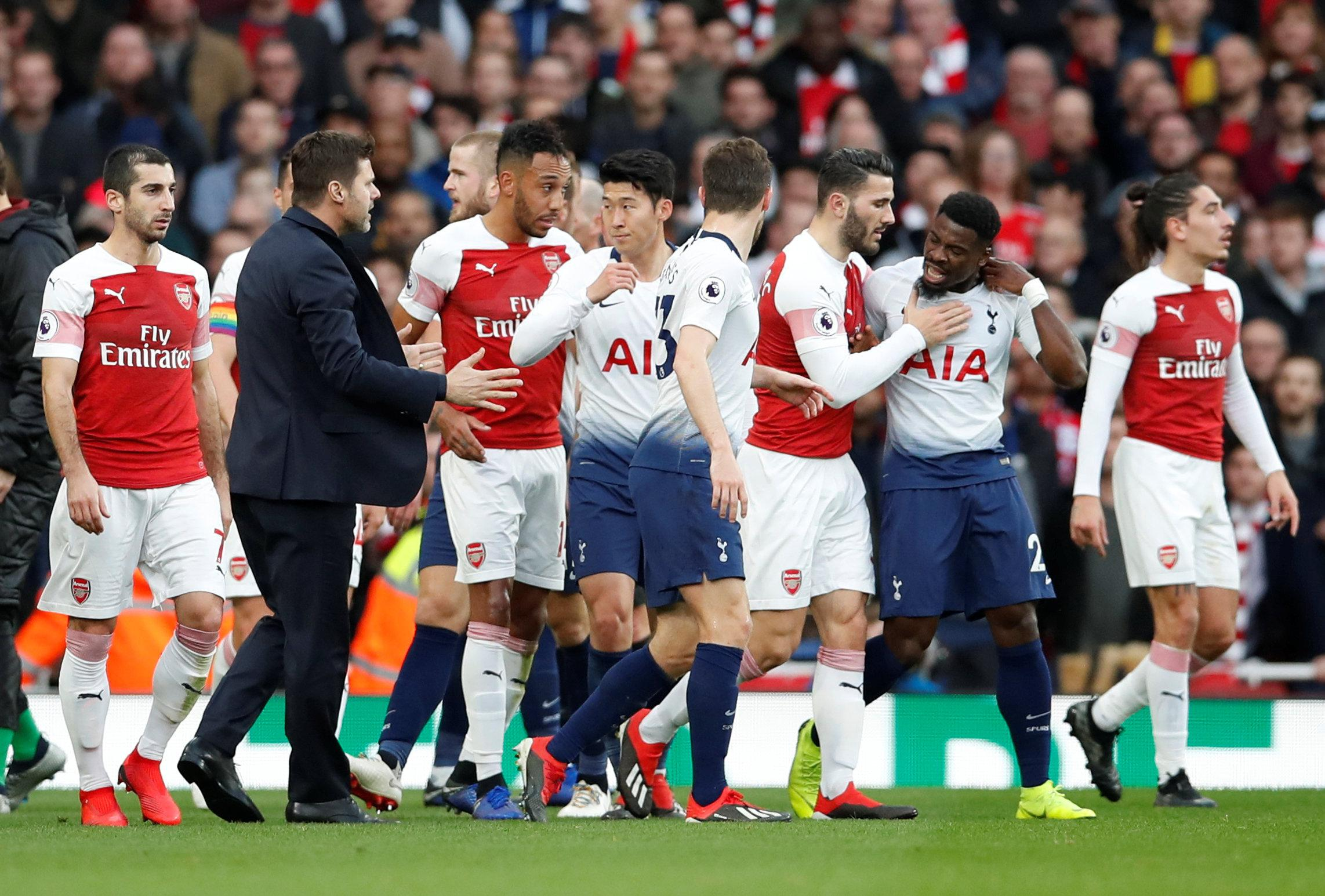 Spurs manager Pochettino tried to settle things down
