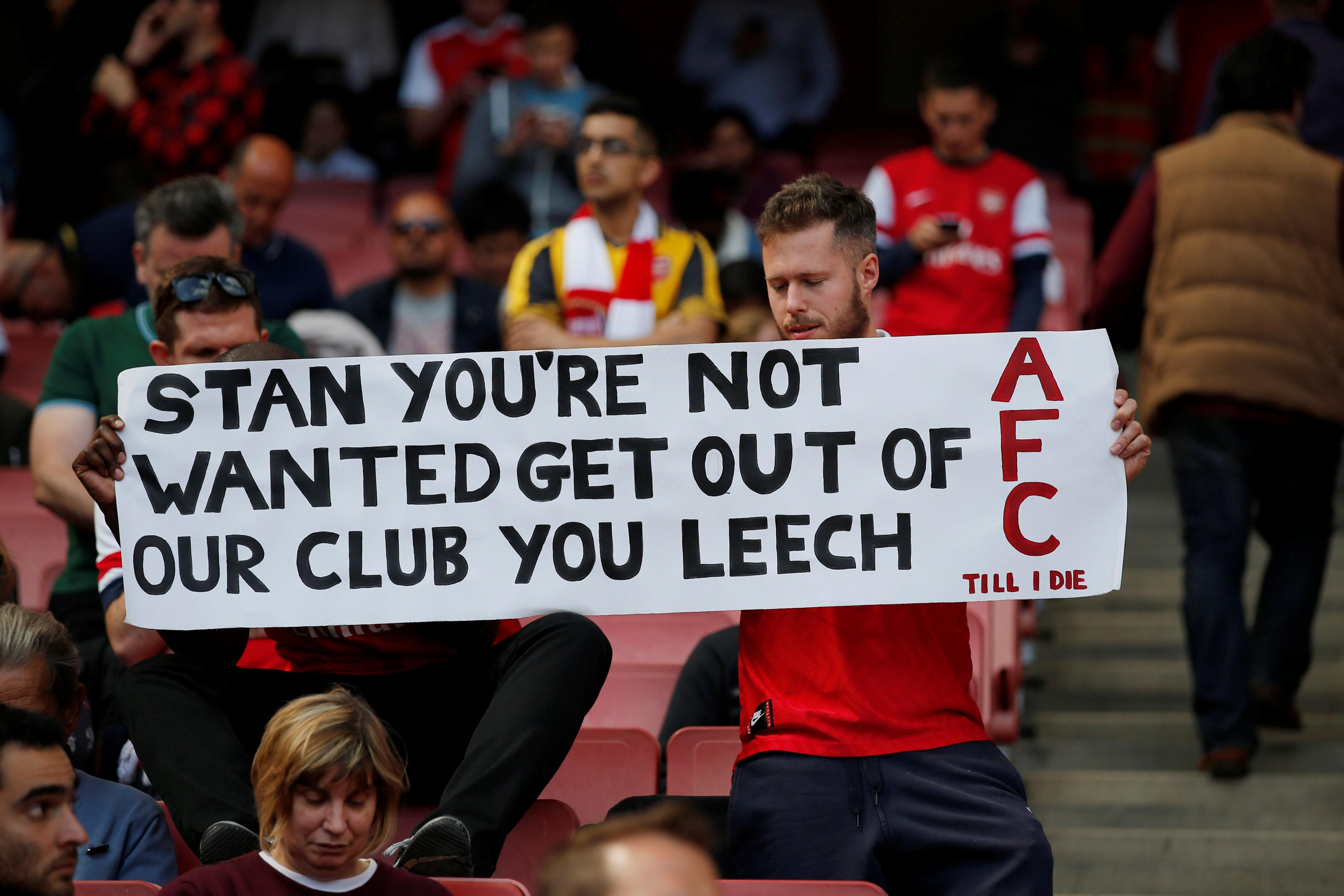 Arsenal fans protest at owner Stan Kroenke