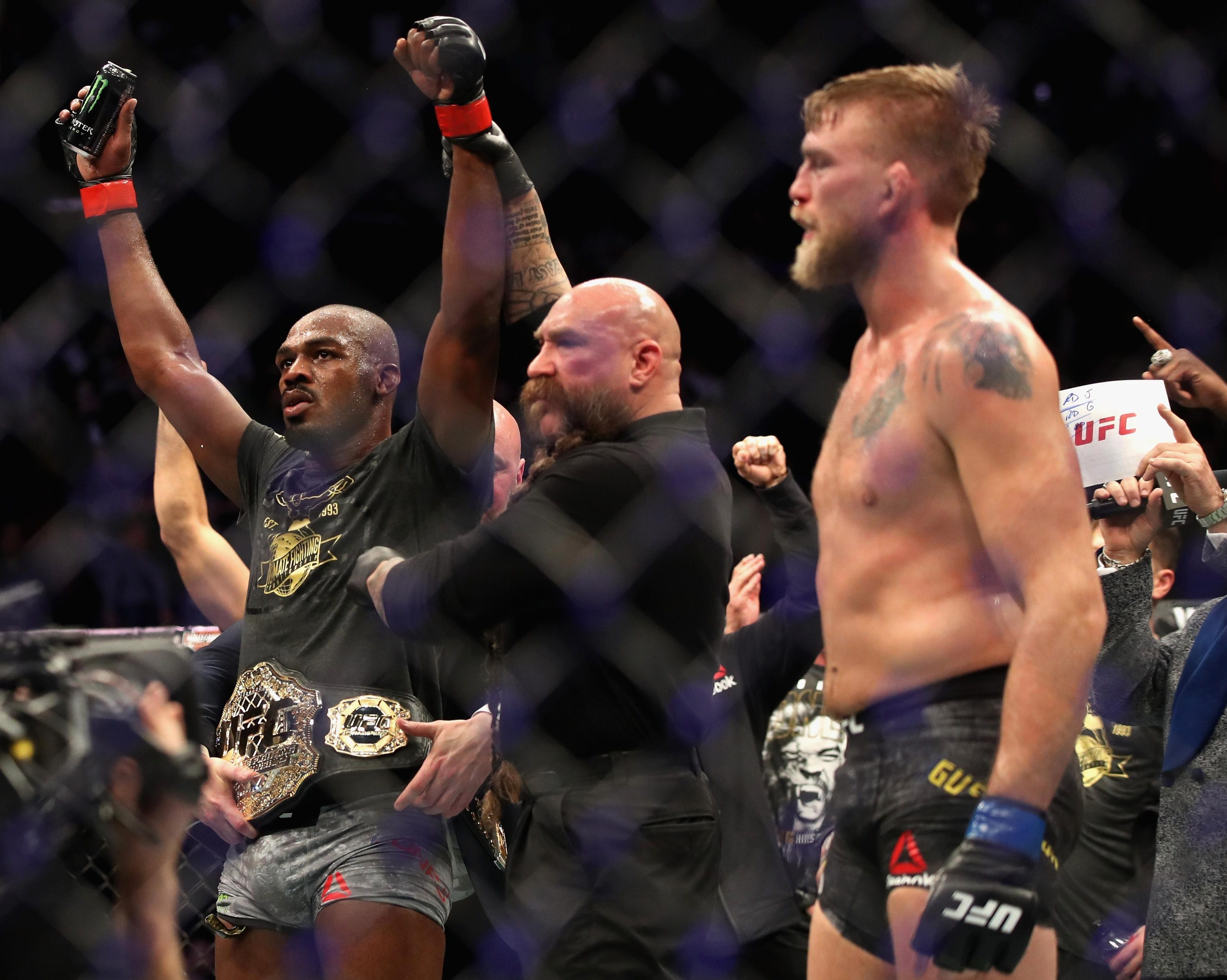 Jones once again claimed the UFC title