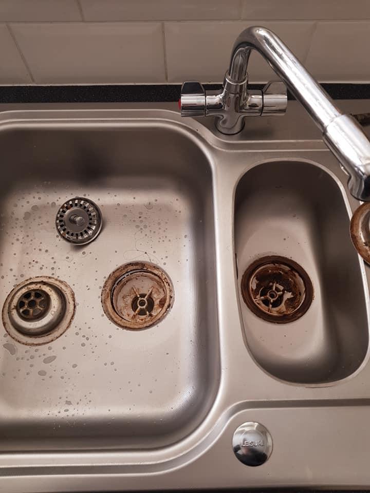 her kitchen sink plughole