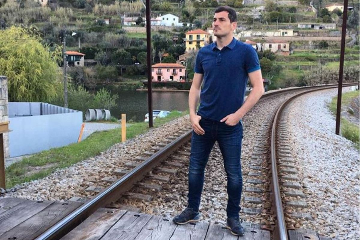 Real Madrid legend Casillas shares bizarre Instagram post about trains