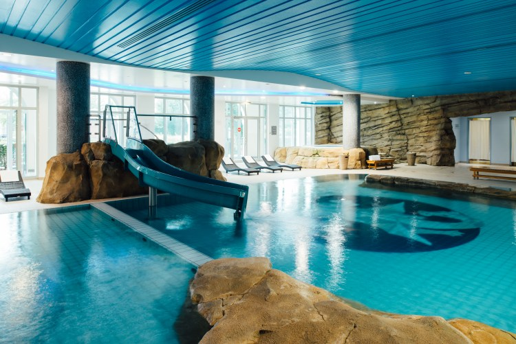Vienna House Dream Castle has a beautiful pool and Jacuzzi to unwind in after a long day at the park